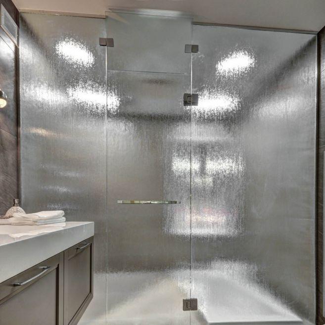Douche de verre aqui for Porte de douche en verre sur mesure